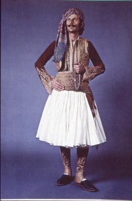 Los hombre en Grecia también llevaban falda!! Central Greece-Roumeli