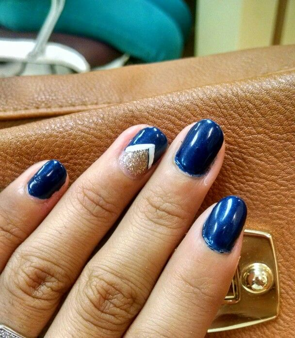 Navy nails with golden accent. Fall:)