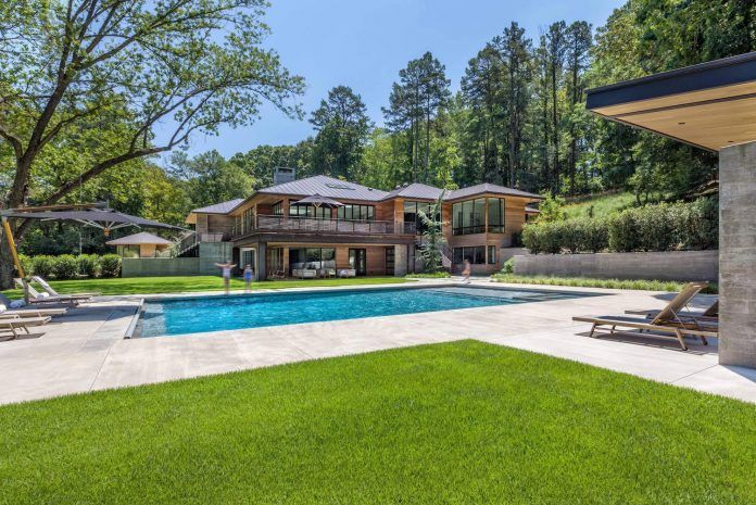 Airy and bright modern residence located in Greenville, South Carolina - CAANdesign