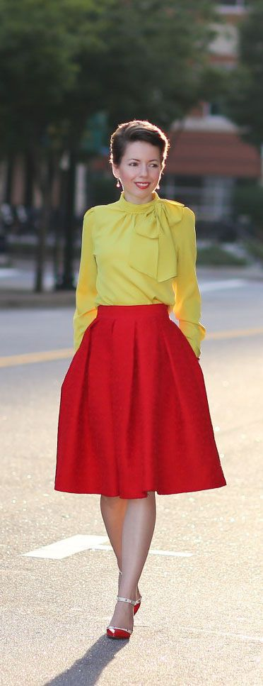 Jacquard Rose Pleated Midi Skirt in Red @redreticule