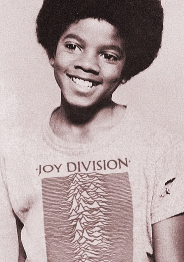 Designspiration —Micahel Jackson in the iconic Peter Saville designed Joy Divsion Unknown Pleasures T-shirt