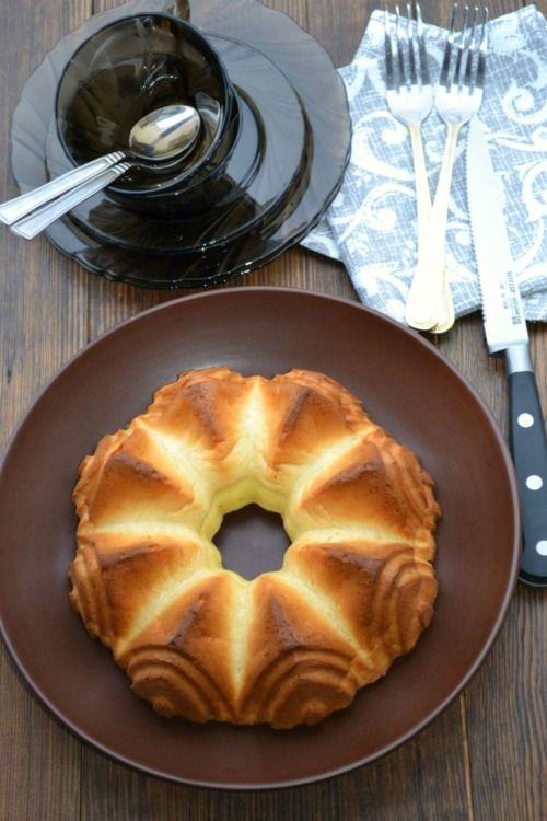 Пирог из плавленых сырков - рецепт - как приготовить - ингредиенты, состав, время приготовления - Леди Mail.Ru