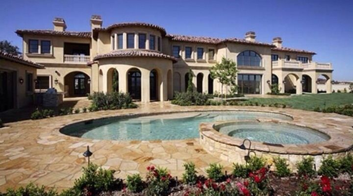 Michael jackson estate buys calabasas home for his mother for Beautiful homes com