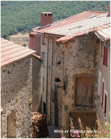 Mosset Eus - Pyrénées-Orientales : tuiles romanes du midi