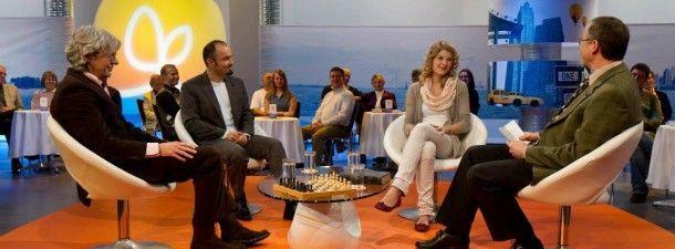 """Emisiunea """"Pur si simplu crede!"""" este realizata in studiourile Hope Channel din Germania si este un proiect amplu, care cuprinde un film artistic, cateva minute de meditatie si discutii libere. Emisiunea se va difuza la Speranta TV in fiecare duminica de la ora 21. Prima emisiune va fi transmisa pe data de 6 octombrie."""