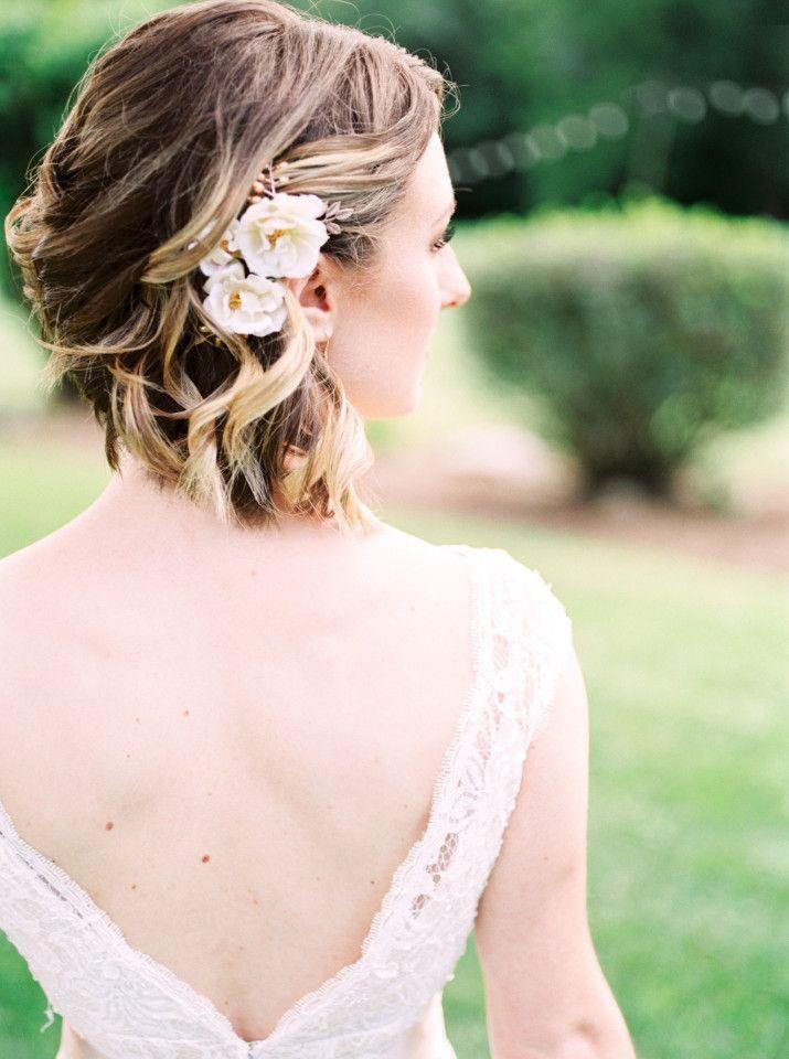 a08074b41468 Pin by Rachel Thompson on Wedding Hair   Wedding Hairstyles, Short wedding  hair, Wedding hair tips