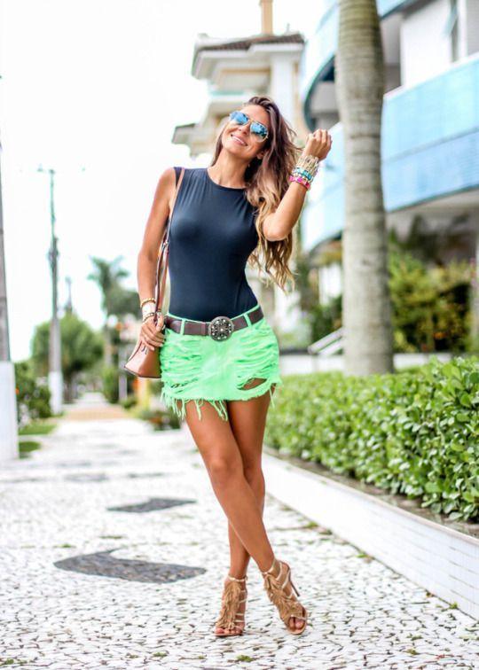 #SpringBreak #Outfits / Halter Black Top - Green Ripped Skirt