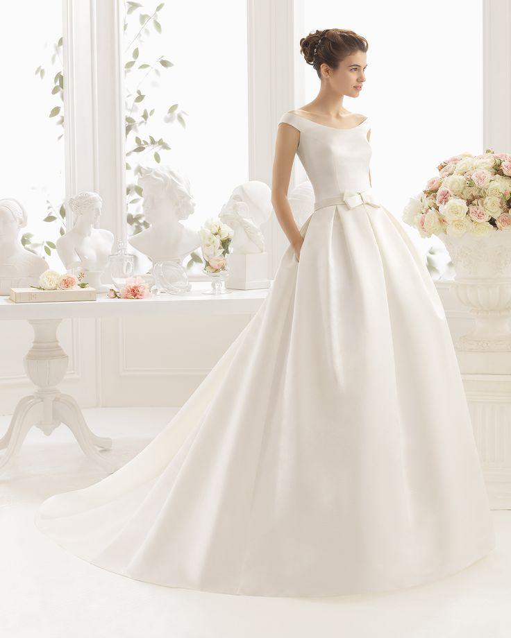 Brautkleid aus Mikado-Seide mit Strassbesatz. Aire Barcelona Kollektion 2017
