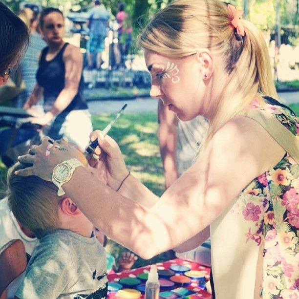 Malujemy <3 *źródło: doba.pl  #facepainting #bodypainting #artdesign #dfx #fxdiamond #snazaroo #makeupart #batman #in #progres #event #inataphoto #art #paintinglovers #summer #Holiday #Poland #polsa #Dzierzoniow #wroclaw