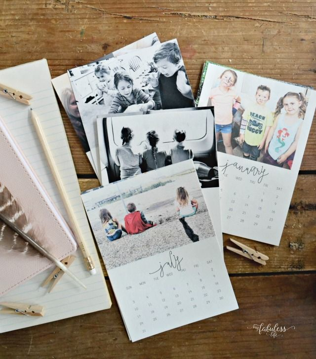 Free Printable 2016 Desk Calendar | These simple, adorable 2016 calendars can be customized with your own photos. Perfect stocking stuffers for Christmas!