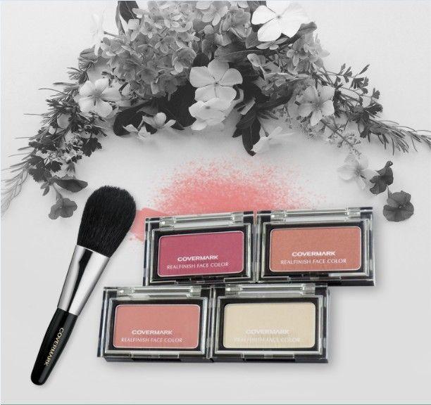 Selain mencerahkan wajah, Realfinish Face Color juga bisa merawat kulit yang kering dan menua agar tetap sehat.#Covermark#BeautyisConfident