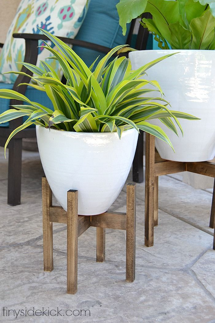 DIY Wood Plant Stands - West Elm inspired. Make for only $10 each!