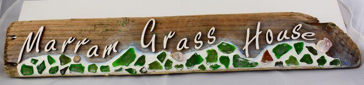 Wohndekoration - Treibholz mit Familiennamen /  mit Mosaik - ein Designerstück von Makerstin bei DaWanda