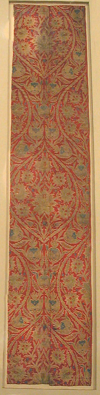 Brocade  Date:     16th century Geography:     Turkey, Bursa Culture:     Islamic Medium:     Silk and metal thread
