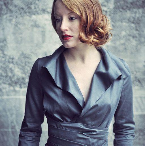 noble con un color muy moderno - me gusta la blusa de Yosoy Barbara Weigand