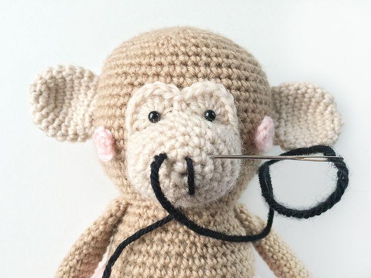 BELLA BLOB - Free Amigurumi crochet pattern - designed by POLARIPOP  Find Bella and her familiy at http://www.polaripop.com