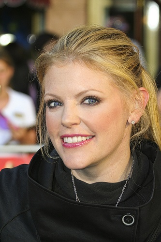 Natalie Maines - Born in Lubbock, Texas. Best known ast the lead vocalist of the female alternative country band, the Dixie Chicks. With Maines as lead vocalist, the band earned 10 Country Music Association Awards and 13 Grammy Awards for their work between 1998 and 2007.