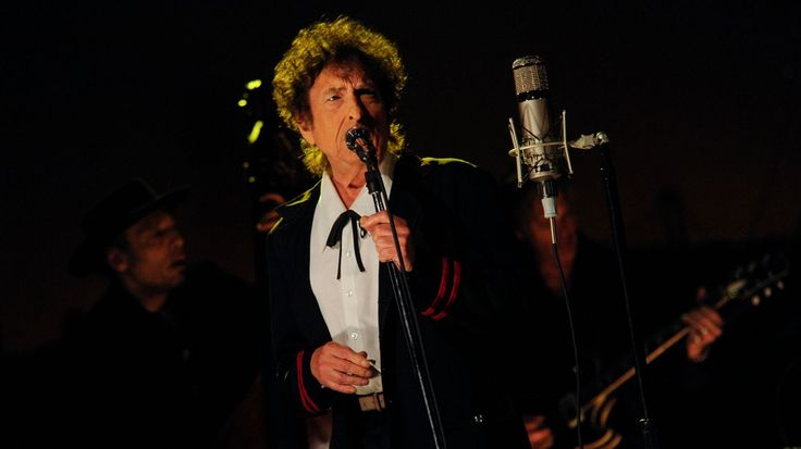 Bob Dylan Sets Summer Tour in Support of New LP 'Fallen Angels' #headphones #music #headphones