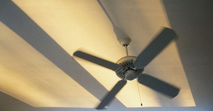 ¿Consume mucha energía un ventilador de techo si se deja prendido todo el día?. Un vistazo a la factura de electricidad en verano puede ser suficiente para disuadirte de usar el aire acondicionado central las 24 horas del día. Los ventiladores de techo no enfrían el aire de toda la casa, pero proporcionan ciertos beneficios que el aire acondicionado central no da. Pueden ser más rentables, pero no siempre.