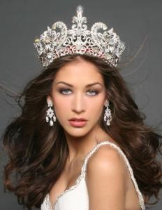 Dayana Mendoza wearing the Miss Universe Crown, 2008