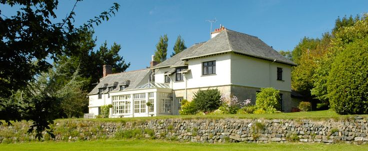 Self Catering Holiday Cottages in Cornwall and Farmhouse Bed & Breakfast close to The Eden Project - Poltarrow Farm