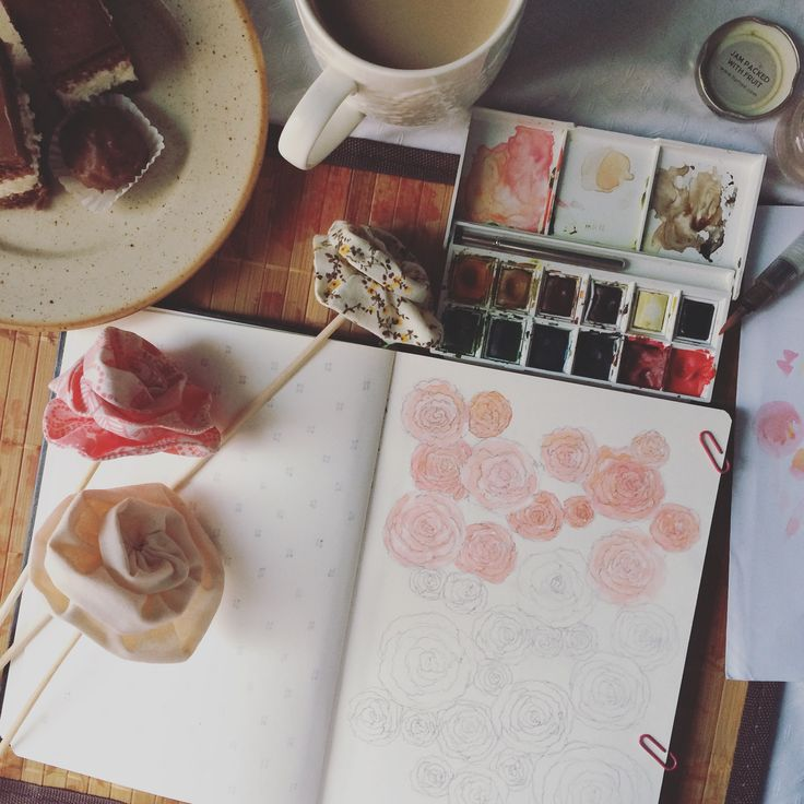 roses work in progress, coffee and cake for breakfast :)