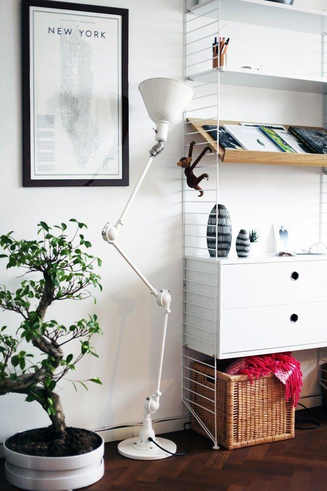 String shelf, lamp - mackapär