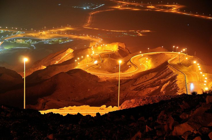 Jebel Hafeet is the best visiting spot in Al Ain and being a higher place with low temperature, gives relief from the hot weather of Abu Dhabi. Hotel & cafes with huge parking area offer a lot of attraction to tourists.