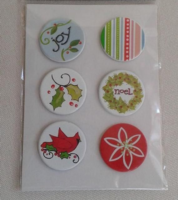 WHITE POINSETTIAS Craft Buttons 1ST CLASS POST Flower Winter Christmas Novelty
