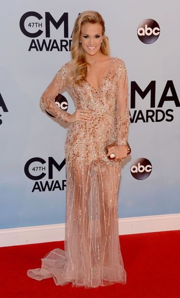 Carrie Underwood in Ralph & Russo at the CMAs. Those legs!