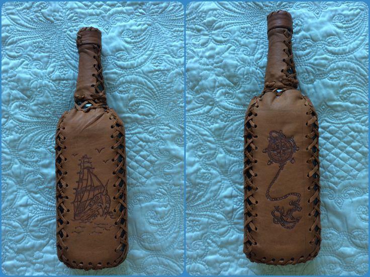 Чехол для бутылки. Кожа, пирография. Bottle cover Leather, handmade