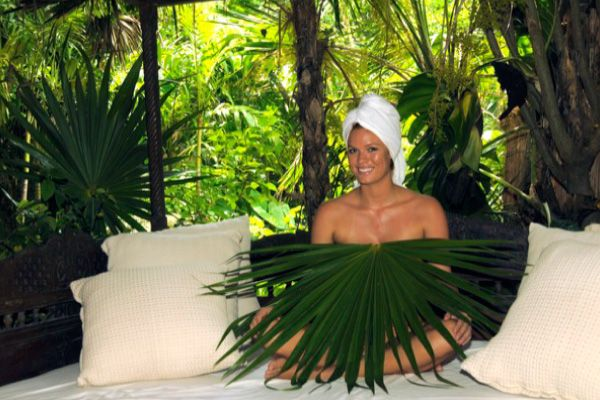 Sacred Mayan Bath Created for ancient royalty, this bath consists of a body exfoliation with henequen fiber that activates circulation and removes dead cells