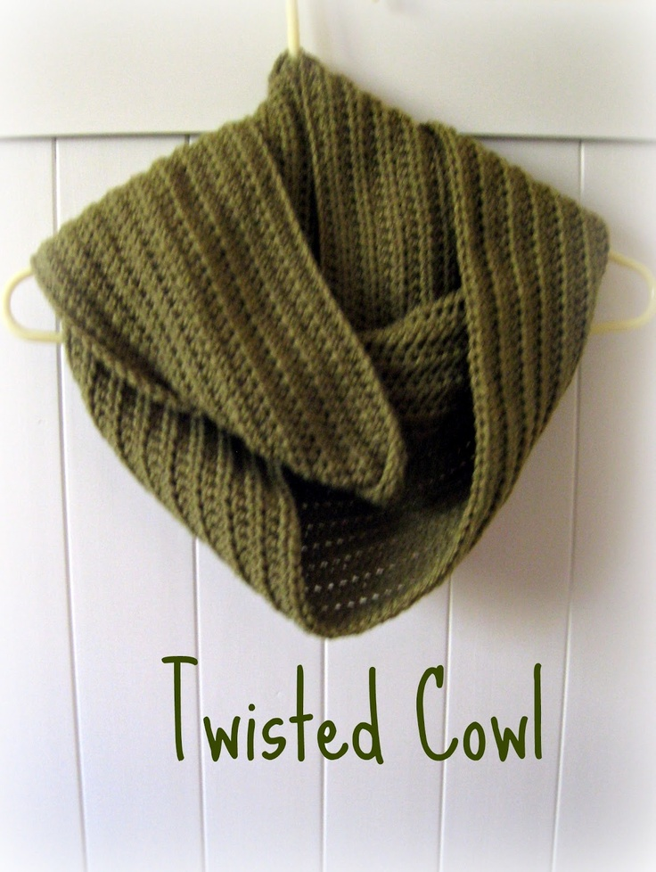 Jay's Boutique Blog: FREE PATTERN: Easy Twisted Cowl  Lots of cool patterns on this blog. :)