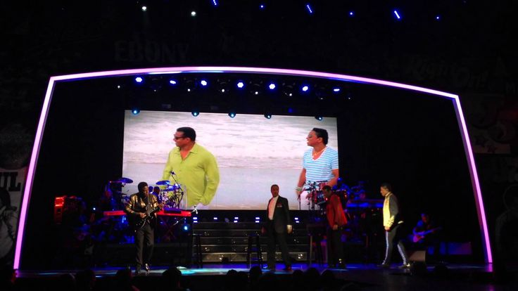 """The Jacksons perform """"Psuh Me Away"""" live at Planet Hollywood in Las Vegas, March 2014. Filmed by Jackson Source."""
