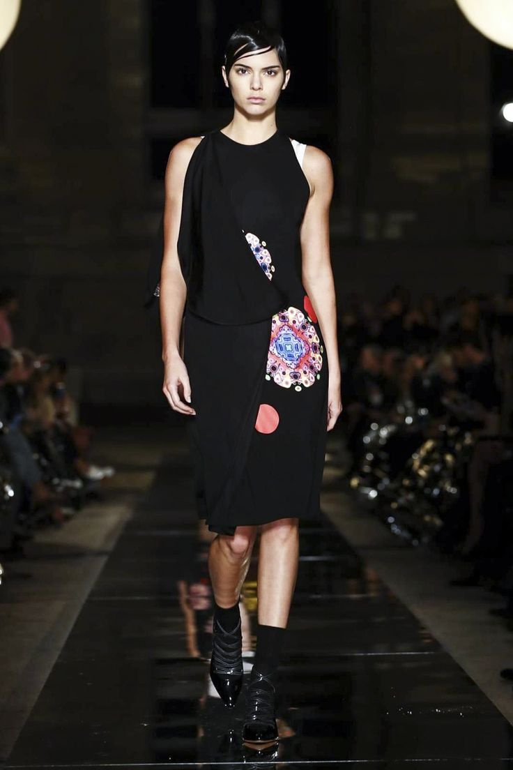 Watch the livestream of the givenchy show ready to wear collection springsummer