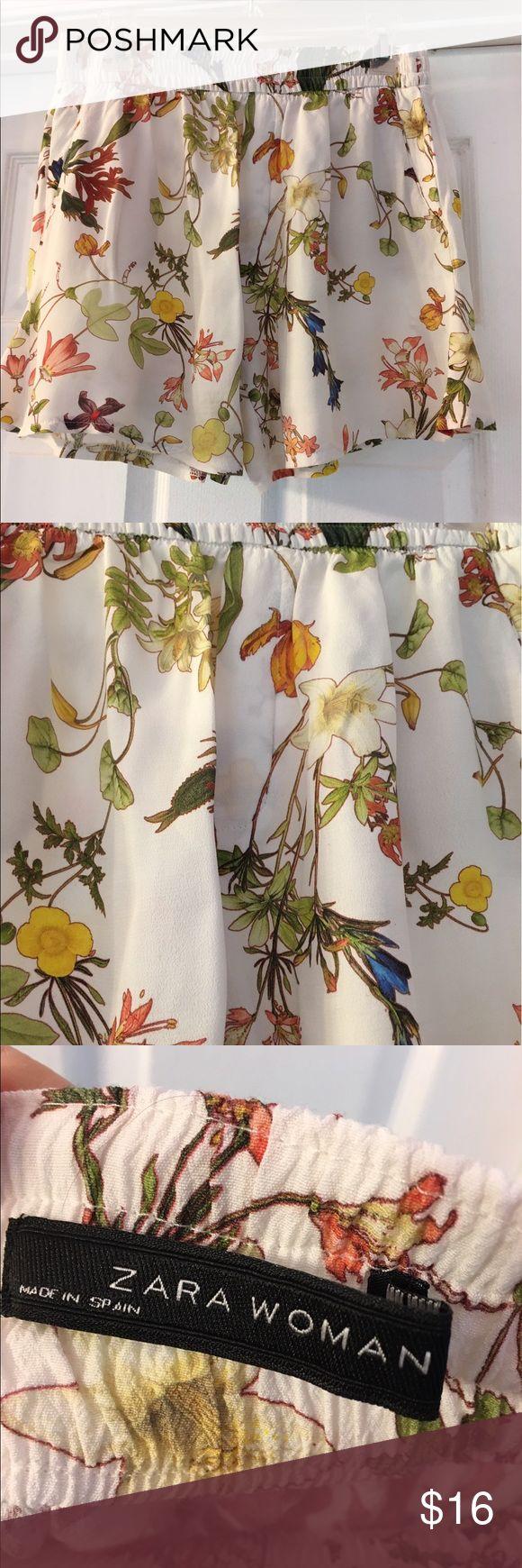 🌺 🌺 Zara women floral shorts 🌺 🌺 Lightweight floral shorts, great like new condition.Elastic waist. Zara Shorts