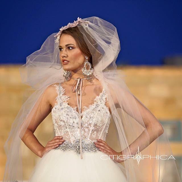 Details are intense. @annaromysh  @citigraphica #malta #sydneyweddingphotography #engaged #bride #runwaybride #weddingdress #weddinggown #engagementring #theknot #theknotrings #justsaidyes #weddingphotography #bridetobe #futuremrs #imengaged #ohsoperfectproposal #Weddinggown #weddingphotography  #weddingforward #canonaustralia #gettinghitched #engagementphoto #realwedding #wedding #weddingphotography #thewaywemet #love #mfwa2016