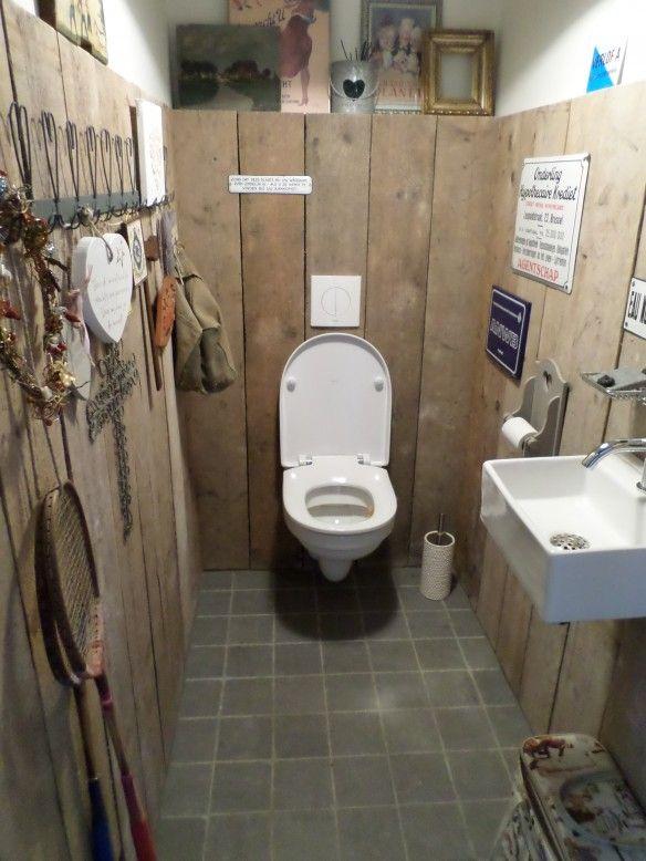 Steigerhout in toilet ruimte