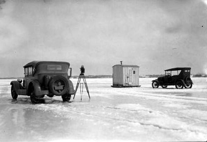Ice fishing on the peninsula 39 s bay 1920s erie for Pa ice fishing