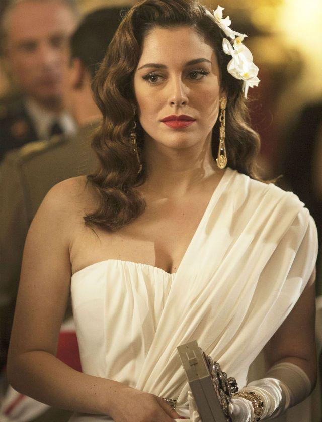 Blanca Suárez como la marquesa de Llanzol en la miniserie de Telecinco Lo que escondían sus ojos