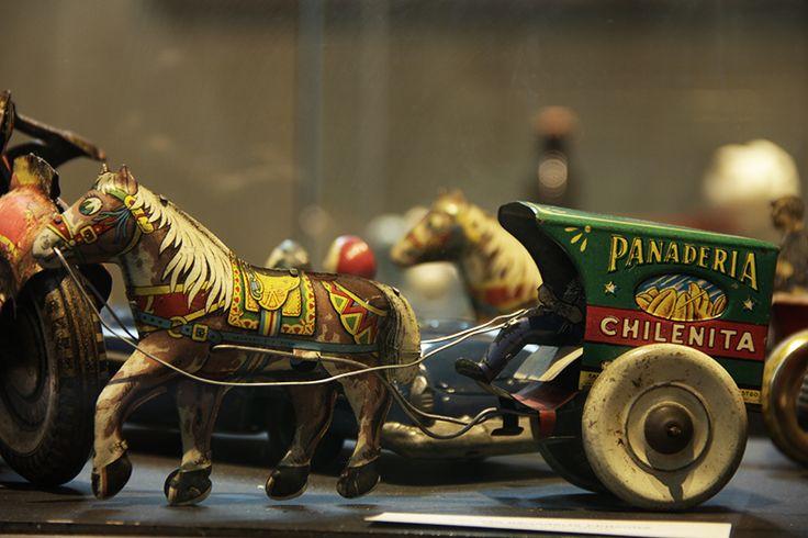 Museo del Juguete Chileno en el Castillo Forestal. Objetos que narran, a través de una ilustración tridimensional, un momento de la cultura y de la sociedad es lo que presenta el 1er museo del juguete chileno