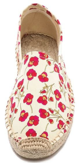 cut #red floral espadrilles http://rstyle.me/n/h58qzr9te