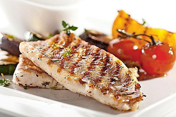 Prečo ryba pripravená doma nechutí tak dobre, ako v reštaurácii? Môže za to tento trik, vyskúšajte! | Casprezeny.sk