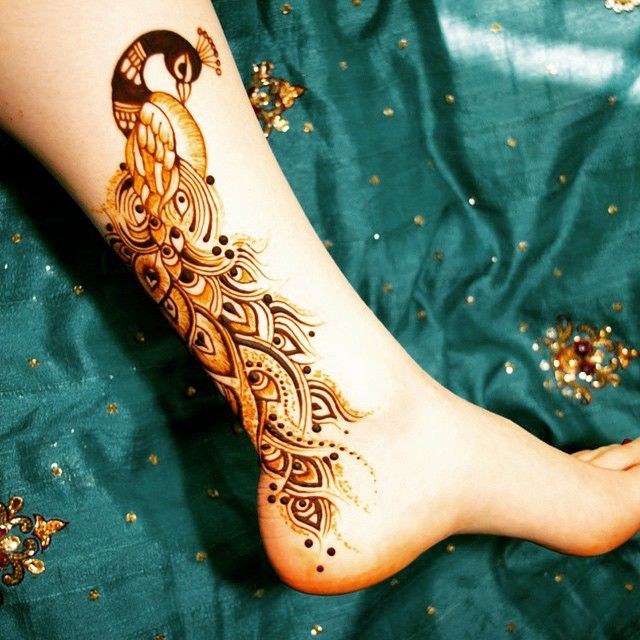 حبيت انتو شو رأيكم!؟   @mehndi_by_theresa @girly_henna • #henna#henna_designer#حناء#dubai#sharjah#emirates#jbr#jumeirah#ksa#saudi_arabia#kuwait#bahrain#khaleej#hudabeauty#hudakattan#swag#girly_henna#girlyhenna#zukreat#art#fashion#love#insta#mydubai#my_dubai#الامارات#instagram ❤ • هذا الحساب برعاية كندورتي @kandorty  @kandorty  @kandorty