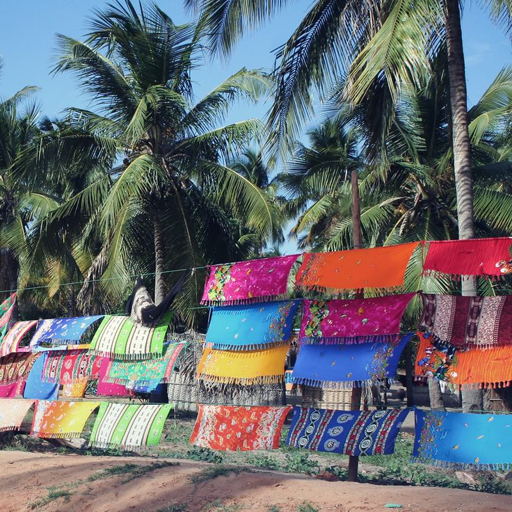 #DidYouKnow that the Capulana is a type of colourful and patterned sarong worn by Mozambican women and a tourist must-have.