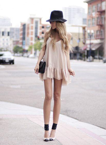Vintage Hat, One Teaspoon Dress, Chanel Vintage Bag, Isabel Marant Gava Pumps