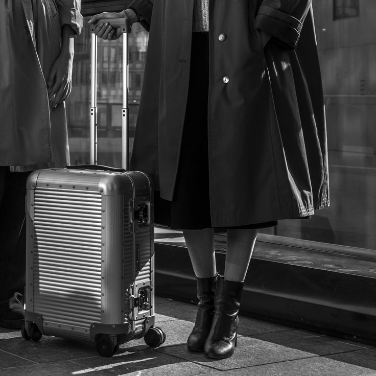 The all #MadeinItaly #Bank by #MarcSadler gets its inspiration from vintage trunks interpreted in a modern key. #Design #Innovation #Vintage #Contemporary #Travellers #FPM_Milano