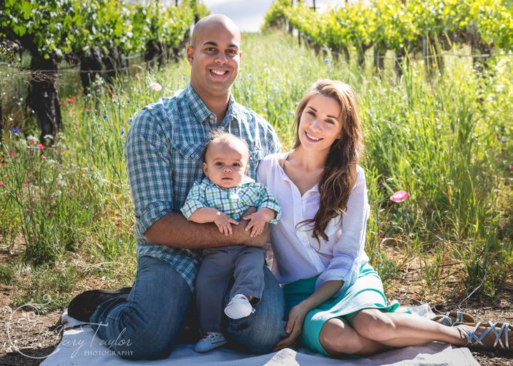 Vineyard family portraits wilson creek winery temecula vineyards family portrait ideas http