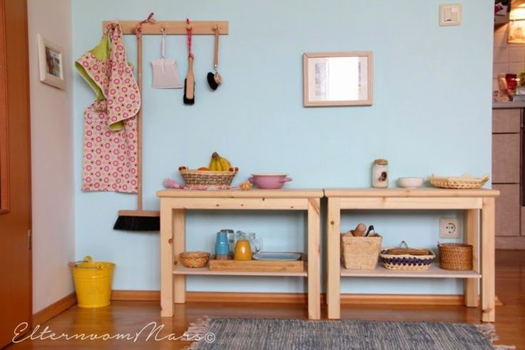 Montessori - Kinderküche by: http://elternvommars.blogspot.co.at/2014/11/unser-montessori-inspiriertes-zuhause.html