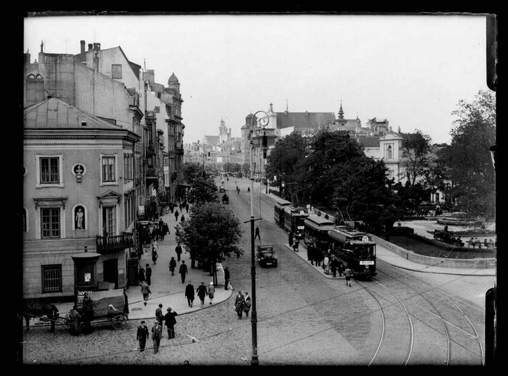 View towards Castle Square from the corner of the street Trębacka, before 1930,